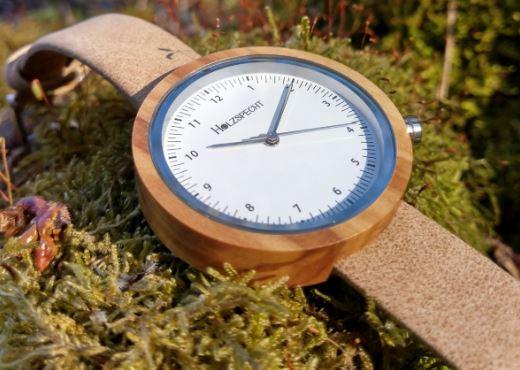 Wooden Wristwatch Frühlingsstern