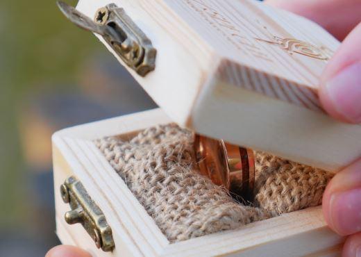Tungsten Ring mit Holz
