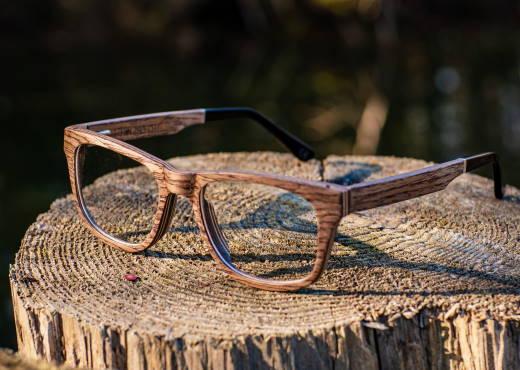 Optische Brille aus Holz Augenblick Walnuss