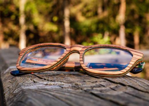 Optische Brille aus Holz Augenblick Zebrano